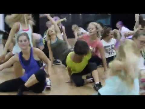 Šokių pamokos studijoje CITY DANCE