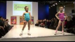 getlinkyoutube.com-Spain children's fashion show on CPM 24.02.09