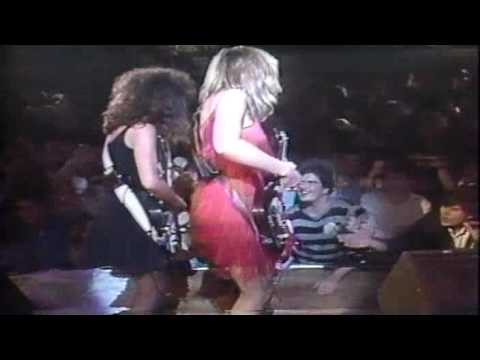 Bangles - Walk Like An Egyptian (1986) PIttsburgh, PA