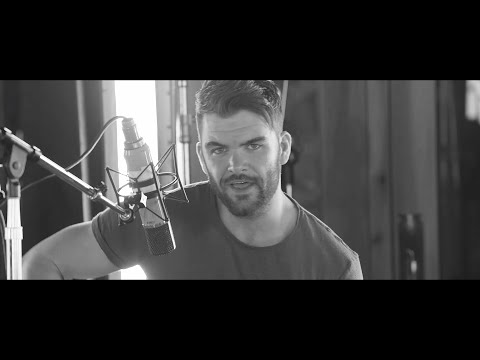 Dylan Scott - Give Me More (Stripped)