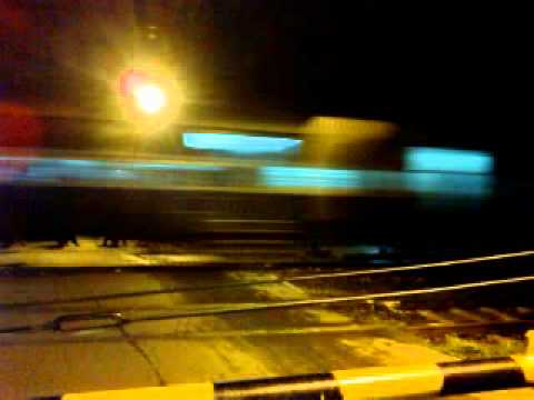 DELHI LOCAL LAST TRAIN PASSING AT MIDNIGHT