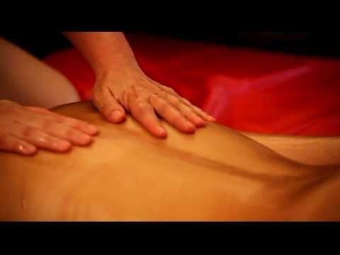 Les mouvements du huilage dans le massage tantrique Ayuneda 1ère partie