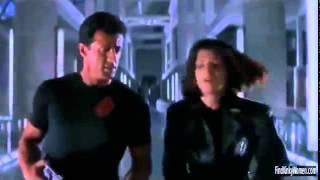 getlinkyoutube.com-Demolition Man Sylvester Stallone and Sandra Bullock fight scene
