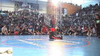 getlinkyoutube.com-Final Baby Battle Unvsti 2012 B-girl Carlota vs B-girl Terra