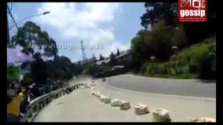 ANANDA WEDISINGHE's accident on Nuwaraeliya Roadrace