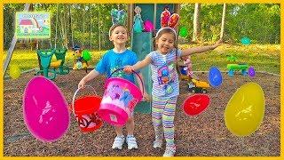 getlinkyoutube.com-GIANT SURPRISE EASTER EGG HUNT FOR LARGE SURPRISE Opening Toys SpiderMan Frozen Elsa Kite Funny Kids