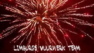 getlinkyoutube.com-The Titan 4 x 35 Shots Doorlontcake Salon Roger Fireworks 2016 Versie