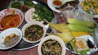 getlinkyoutube.com-อ่อมปลาไหล ส้มงัว ตำบักหุ่ง กุ้งคั้นบักกอก แกงยอดอ้อย ปลาเผา ข้าวแลง