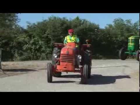 Monclar d'Agenais   Balade vieux tracteurs 2013