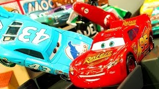 getlinkyoutube.com-Cars Piston Cup 500 Race Track Ultimate Disney Pixar Cars2 Speed Stunts Crashes & Smashes ToysRUs