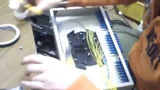 Укладка оптического волокна в кросс панели