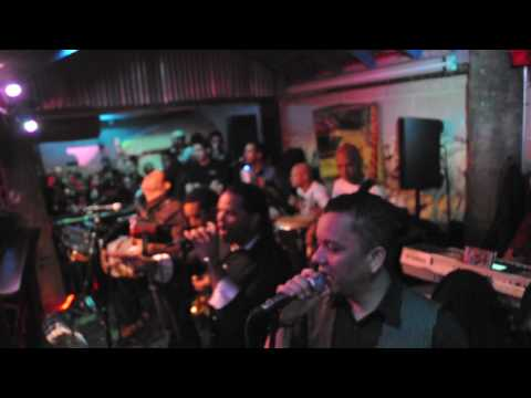 Videos Related To 'la Banda Real Debut - Ny 2010  Huellas 2