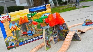getlinkyoutube.com-Thomas And Friends VOLCANO PARK DELUXE SET 2015 Wooden Railway Toy Train Review By Mattel