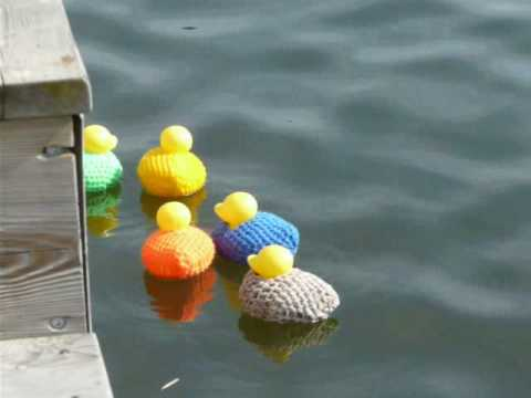 Crochet Ducks For River Knit Graffiti Project.