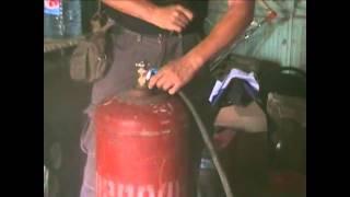 getlinkyoutube.com-перелив газа из большого в малый баллон