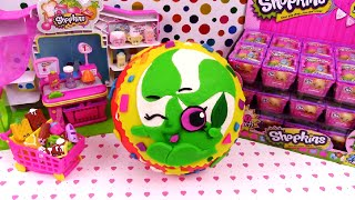 getlinkyoutube.com-SHOPKINS Giant Play Doh Surprise Egg Minnie Mintie - Surprise Egg and Toy Collector SETC
