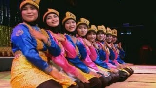 getlinkyoutube.com-Tari Saman (Saman Dance) - Kosentra Group