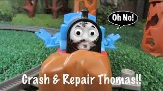 getlinkyoutube.com-Thomas & Friends Toy Train-Trackmaster Crash & Repair Thomas in Action!