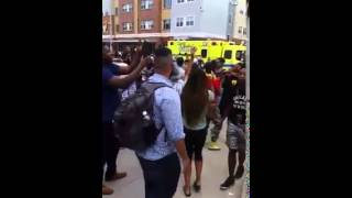 Police harassment leads to crowd singing Kendrick Lamar's