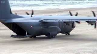 getlinkyoutube.com-C-130 Hercules - Beach Landing