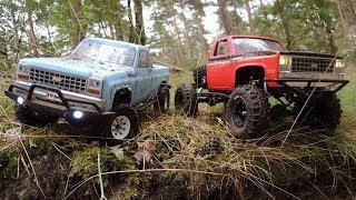 getlinkyoutube.com-Axial SCX 10 w.Proline Chevy Pickup body & RC4WD TF2 w.Tamiya Clod Buster body & Super Swamper
