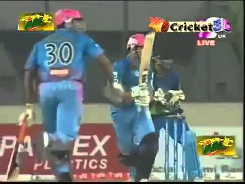 Ten Doeschate cameo of 37 runs in 18 balls BPL 2013