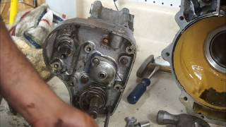 getlinkyoutube.com-Dismantling a Albion Gearbox