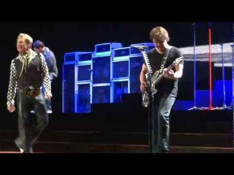 Van Halen - The Full Bug (4/29/2012) St. Louis