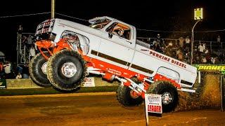 getlinkyoutube.com-Wheel Standing Monster Trucks Pulling at Millers Tavern September 23 24 2016