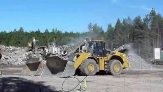 getlinkyoutube.com-Metso Nordberg Crushers & CAT 980H , 330DL