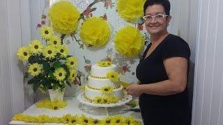 getlinkyoutube.com-Aula 25 - Mesa Amarela(1/3) Como fazer arranjo de flores de papel crepom (Margarida) - Artesanato