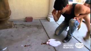 getlinkyoutube.com-كريس انجل يقطع رأس حمامه ويرجعها حيه كما كانت