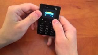 getlinkyoutube.com-Самый маленький телефон в мире ! AEKU M5