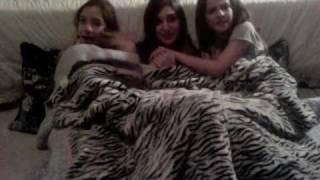 getlinkyoutube.com-What guys think girls do at sleepovers