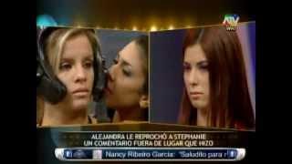 getlinkyoutube.com-COMBATE: Alejandra Baigorria y Stephanie Benalcázar discuten por Mario Hart 07/05/2013