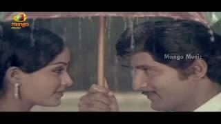 getlinkyoutube.com-Abhimanyudu Movie Songs - Oke Godugu Oke Adugu Song - Shoban Babu, Vijaya Shanthi, Radhika