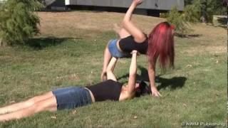 getlinkyoutube.com-FAIL: Girl Benchpress