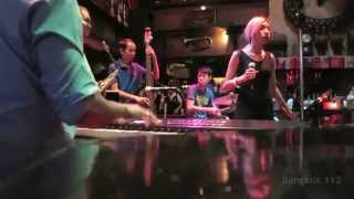 getlinkyoutube.com-Saxophone Pub - Bangkok Jazz - Fly Me to the Moon