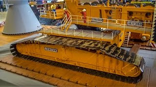 getlinkyoutube.com-RC crane EXTREME! Stunning Liebherr 3000 ton crane in 1/16 scale!