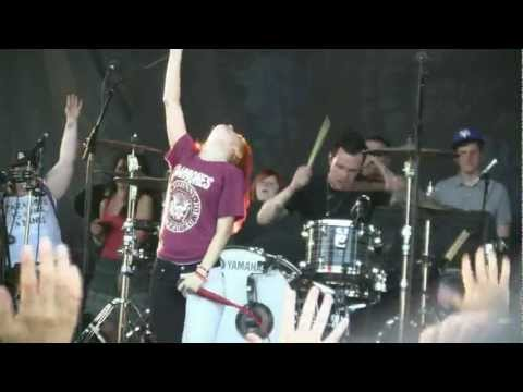 "Paramore @ Warped Tour- ""For a Pessimist I'm Pretty Optimistic"" (HD) Live 7-16-2011"