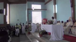 getlinkyoutube.com-MISSA COM O CLERO DIOCESANO DE BENGUELA - 50 ANOS DE DOM ÓSCAR  / 1964 -  2014