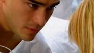 getlinkyoutube.com-MIguel le dice a mia que es su novia