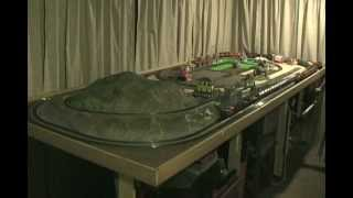 getlinkyoutube.com-Small HO scale train layout