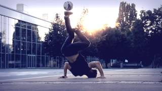 getlinkyoutube.com-Freestyle Football | The Journey to victory