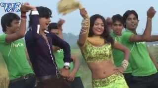 getlinkyoutube.com-बढ़ावा  गाड़ी प्यार के - Bhojpuri Hot Song | Laal Marchai | Ankush - Raja | Hot Song