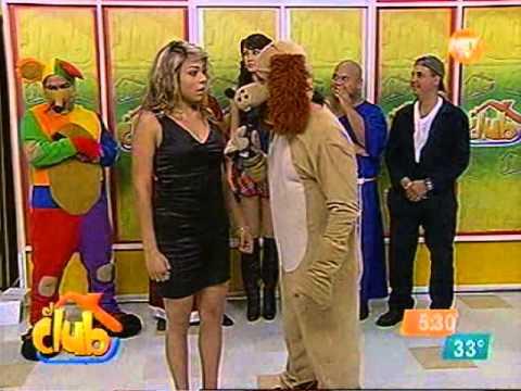 el club-el perro guarumo vende estampitas 04/07/11