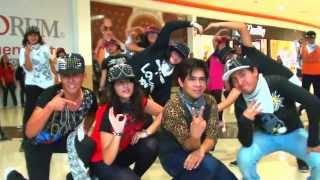 getlinkyoutube.com-FLASHMOB 2NE1 MEXICO 2013