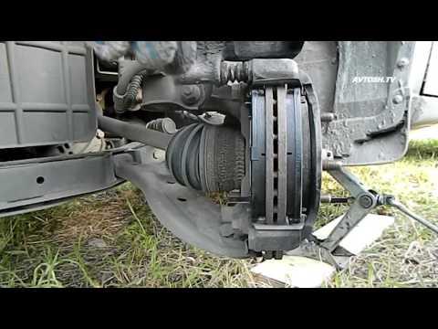 Замена передних тормозных колодок на Hyundai Accent