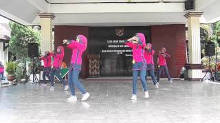 getlinkyoutube.com-Juara 1 Senam Rekreasi Perwosi Jawa Timur II