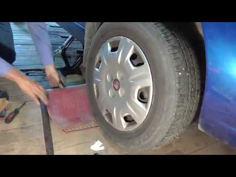 Замена передних тормозных колодок  FIAT ALBEA
